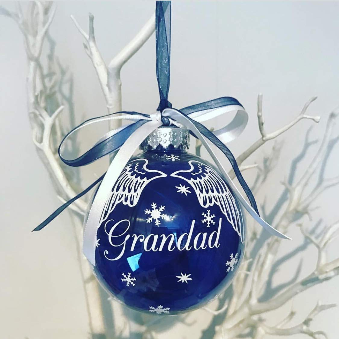 PERSONALISED MUM AND DAD  SPARKLE CHRISTMAS BAUBLE TREE DECORATION GIFT