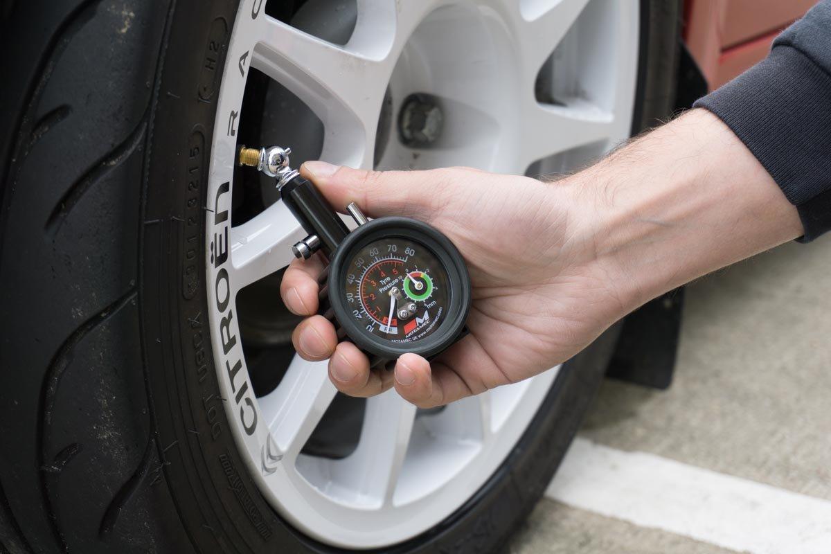 Motamec Motorsport Tyre Pressure Gauge Tread Depth Gauge Analogue Dial 0-80 psi