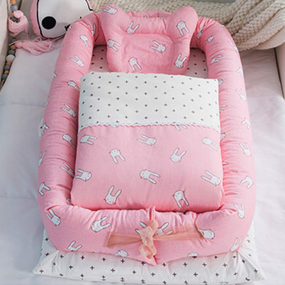 Baby Bassinet for Bed,Newborn Portable Crib /& Cradles Lounger Cushion with Quilt,Breathable and Hypoallergenic Sleep Nest for Bedroom//Travel Pink Star