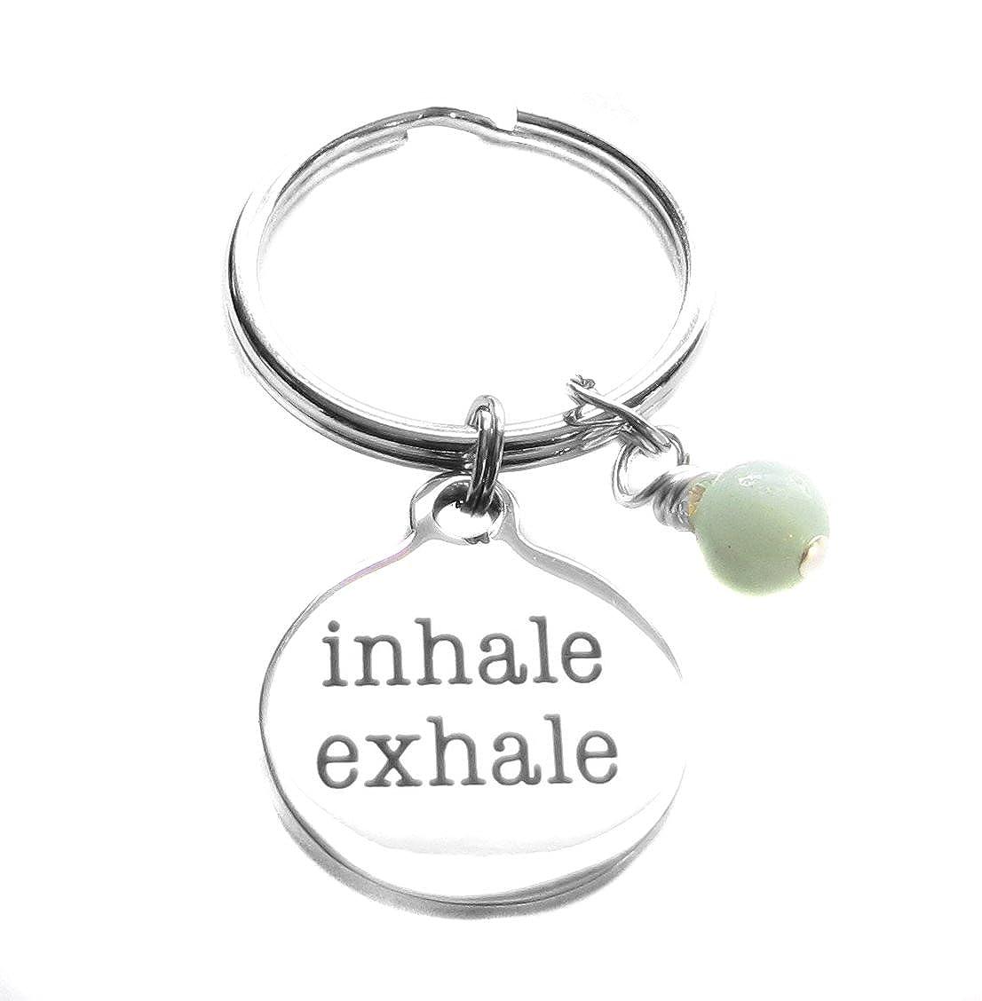 inhale exhale (吸って吐いて) ヨガ レイキ 呼吸法 喉 第5チャクラ キーチェーン   B06XBF3D64