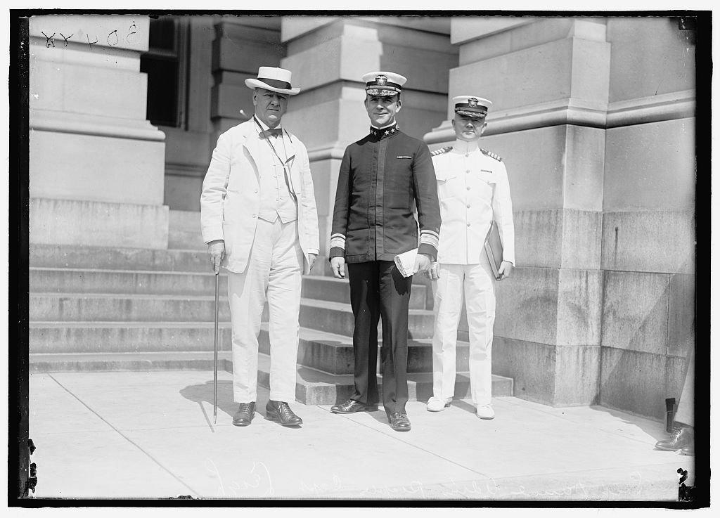 Vintography Reproduced 16 x 20 Photo Daniels, Josephus. Secretary The Navy, 1913-1921. Left Admiral Christian Joy Peoples Captain Richard H. Leigh 1919 Harris & Ewing a18