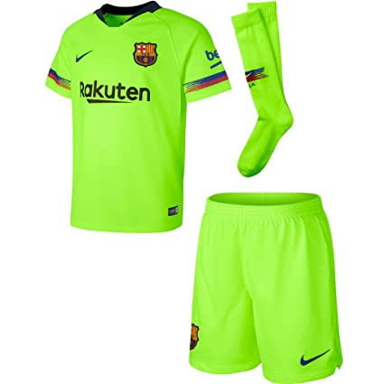 be143e0ed80 Amazon.com   Nike 2018-2019 Barcelona Away Little Boys Mini Kit   Sports    Outdoors