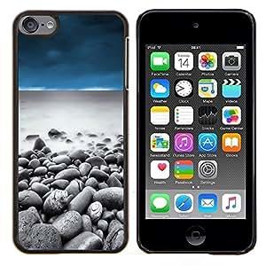 Queen Pattern - FOR Apple iPod Touch 6 6th Generation - pebbles beach sky sand water ocean - Cubierta del caso de impacto con el patr???¡¯???€????€???