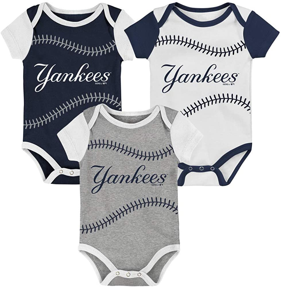 OuterStuff New York Yankees Classic Infant Toddler 3 Piece Set