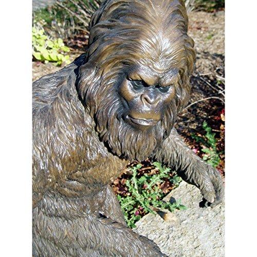 61GQhLLA%2BNL - Bigfoot Garden Statue