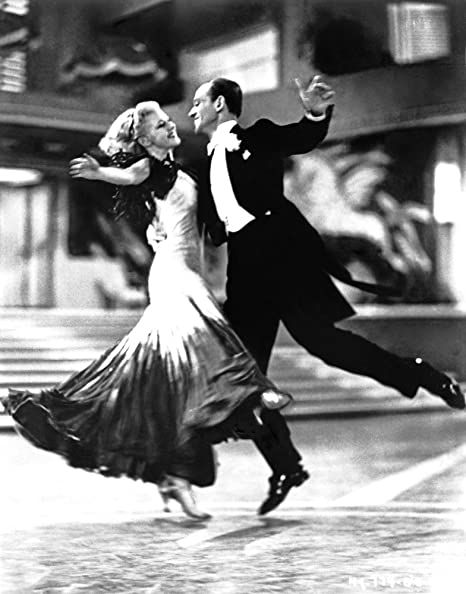 Amazon Com Film Still Of Fred Astaire And Ginger Rogers Dancing Photo Print 8 X 10 Posters Prints