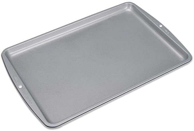 Amazon.com: Wilton Recipe Right Medium Cookie Pan 15 1/4 X 10 1/4 Inch Pack of 2 Pans: Kitchen & Dining