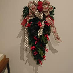 Amazon S C Live クリスマス リース クリスマス スワッグ 北欧風 60cm 玄関ドア フロア クリスマス飾リ 玄関ドア 壁掛け 屋外 松かさ 松ぼっくり 鮮やかな赤い実 ベリー ビンテージ鈴 ビンテージベル ボリューム満点ビッグリボン付 レッド 赤 癒し 家族用 職場用 定番