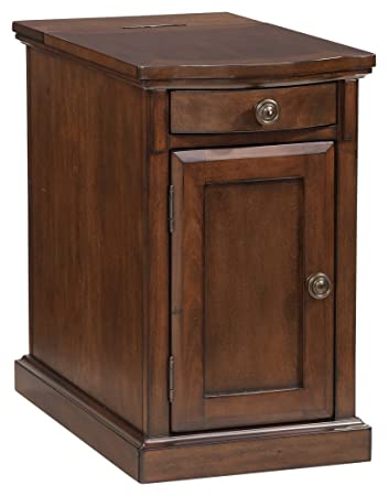 Ashley Furniture Signature Design   Laflorn Chairside End Table    Rectangular   Medium Brown