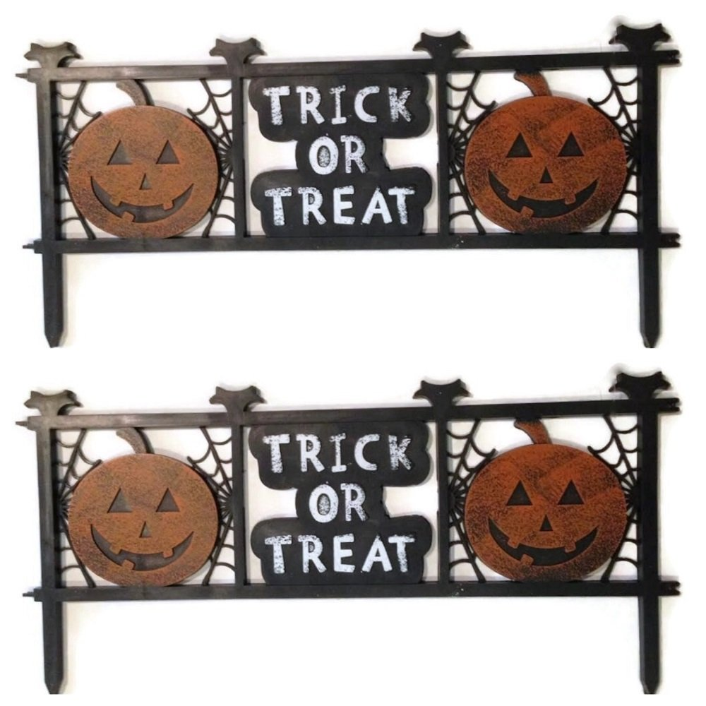Halloween Trick or Treat Fences Outdoor Yard Lawn Decorations, Set of 2