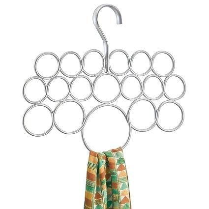 sempre popolare vasto assortimento prezzo moderato InterDesign Axis Porta sciarpe da appendere senza viti | Organizer armadio  con 18 anelli per scialli, foulard, accessori | Portacravatte multiuso | ...