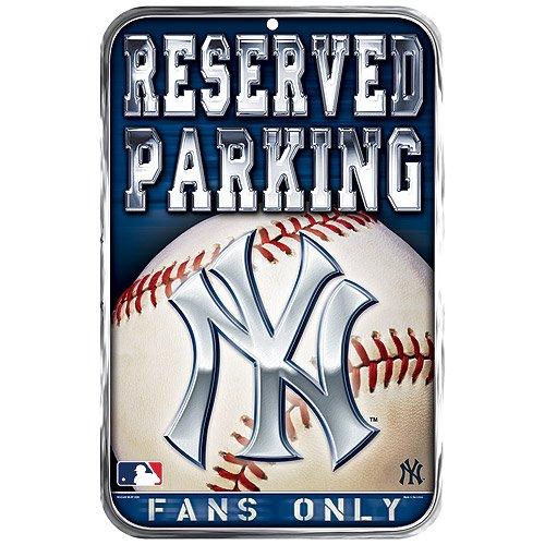 - New York Yankees Official MLB 11