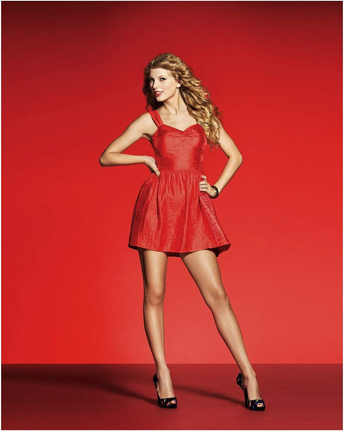 Amazon Com Taylor Swift Official Red Dress Poster 24 X 36 Posters Prints