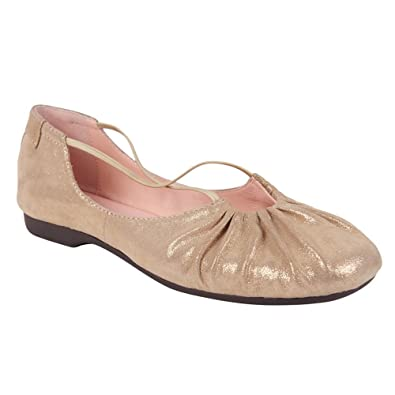 91bad3cbc2cc Amazon.com  Taryn Rose Women s Bryan Ballet Flat  Shoes
