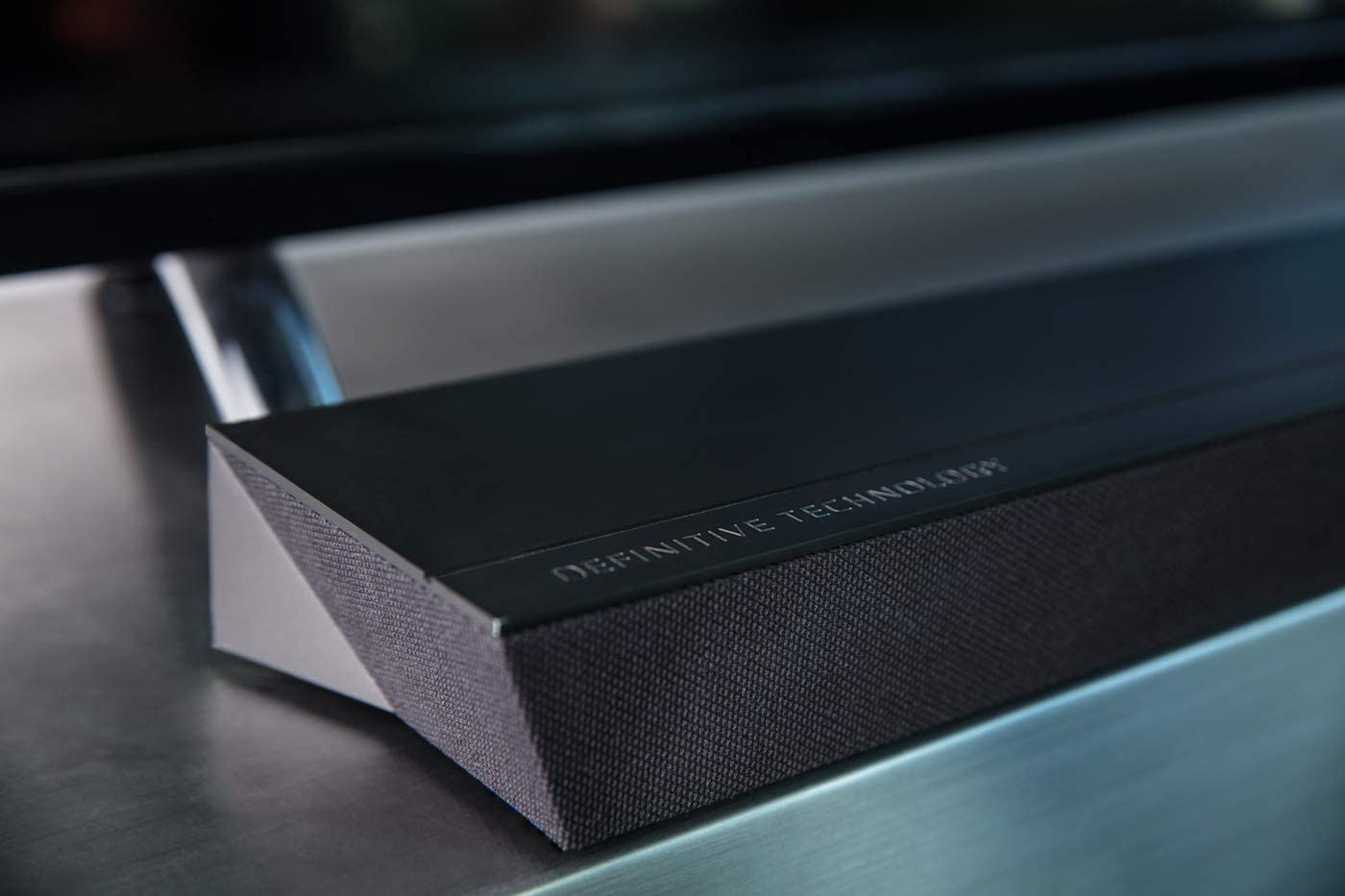 definitive-technology-sound-bar