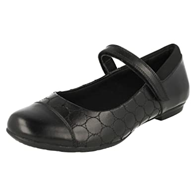 cf86f5edaacbb Clarks Girls Bootleg School Shoes Tizz Whizz - Black Leather - UK Size 8H - EU  Size 42 - US Size 8.5XW  Amazon.co.uk  Shoes   Bags