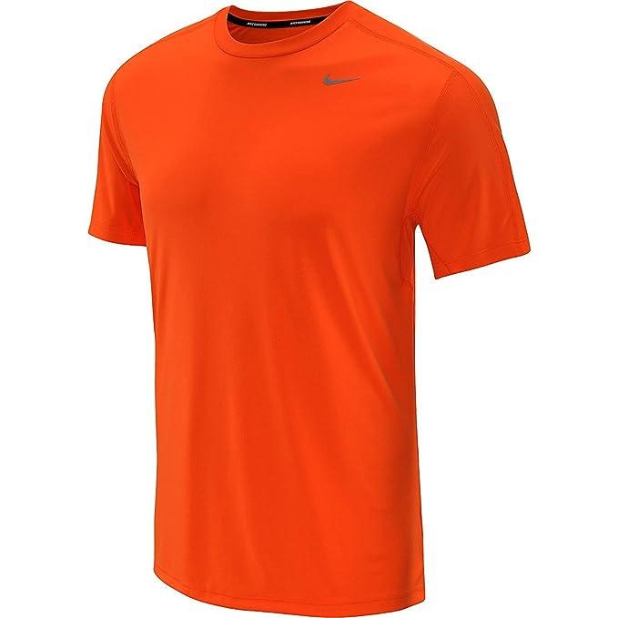 4d661da322304 Amazon.com: NIKE Mens Relay Short-Sleeve Running T-Shirt: Sports & Outdoors