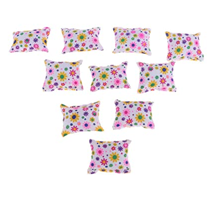 Amazon.com: 10pcs 1/6 Dollhouse Miniatura Floral Cojines ...