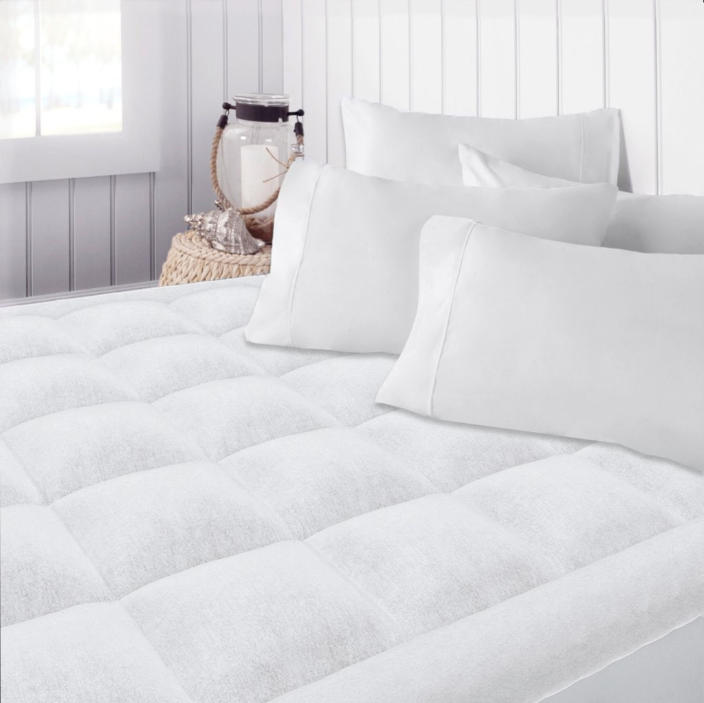 Beckham Hotel Collection Premium Microplush Mattress Pad - Hypoallergenic Ultra Soft Overfilled Topper with Deep Fit - Queen by Beckham Luxury Linens
