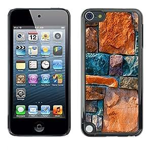 QCASE / Apple iPod Touch 5 / Arquitectura muro de piedra de diseño de piedras de colores / Delgado Negro Plástico caso cubierta Shell Armor Funda Case Cover