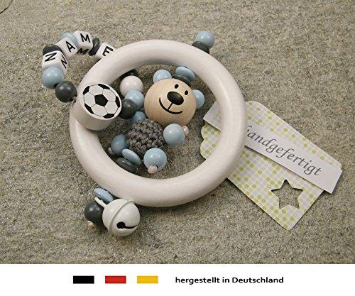 Baby Greifling Rassel Beißring mit Namen | individuelles Holz Lernspielzeug als Geschenk zur Geburt & Taufe | Jungen Motiv Bär und Fussball in grau kleinerStorch