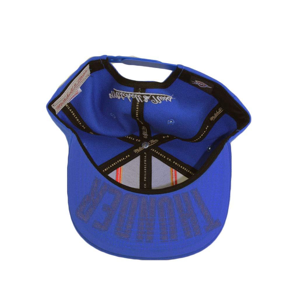 newest 89de6 d548a Amazon.com  Mitchell   Ness Oklahoma City Thunder Blue Adjustable Shorts  Split Snapback Hat  Clothing