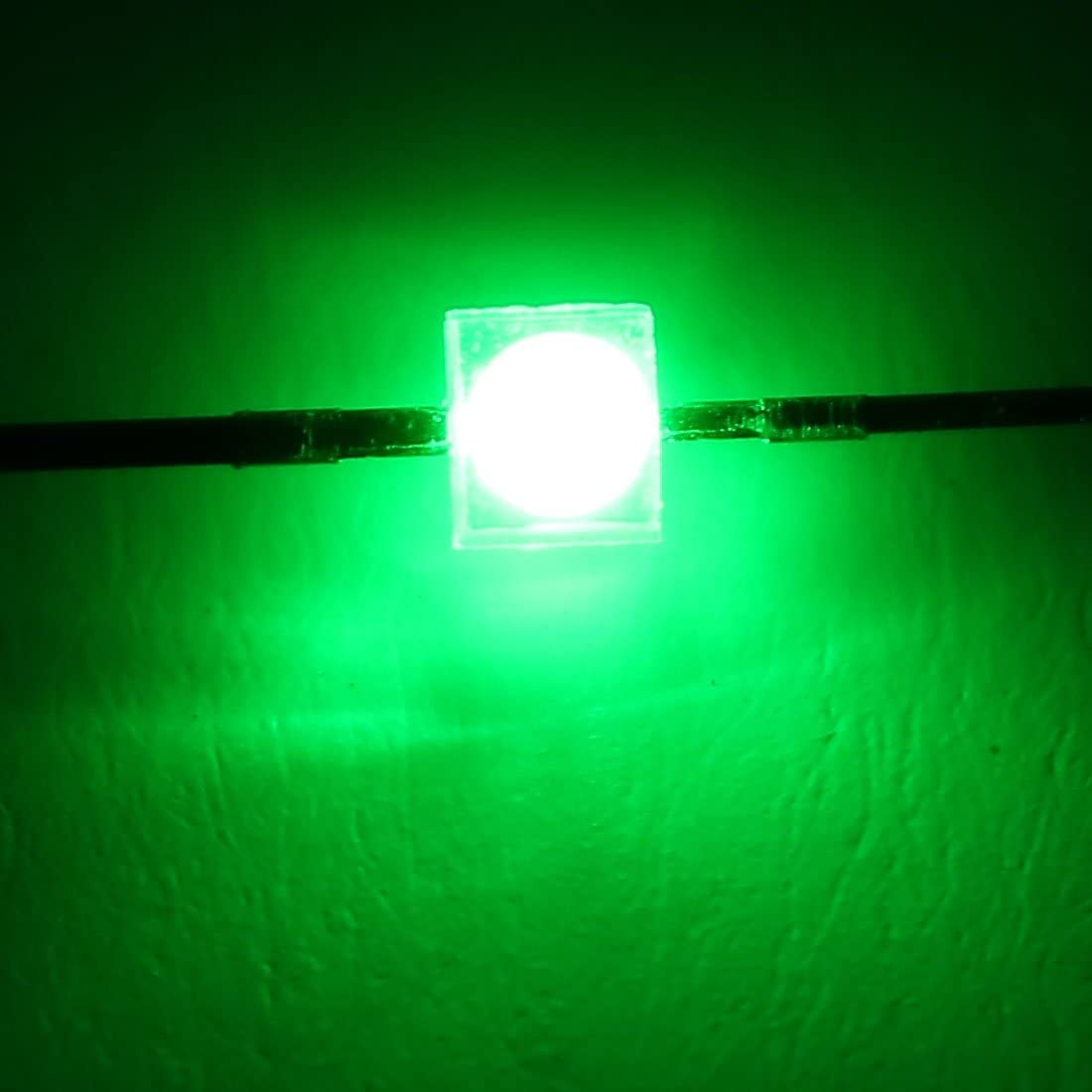 uxcell 20pcs 3V SMD Superbright LED Chip Lamp Light Emitting Diodes Green