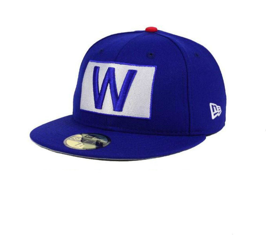 Amazon.com   New Era Chicago Cubs Fly The W Flag Fitted Size 7 Hat Cap    Sports   Outdoors a52824fe4b3