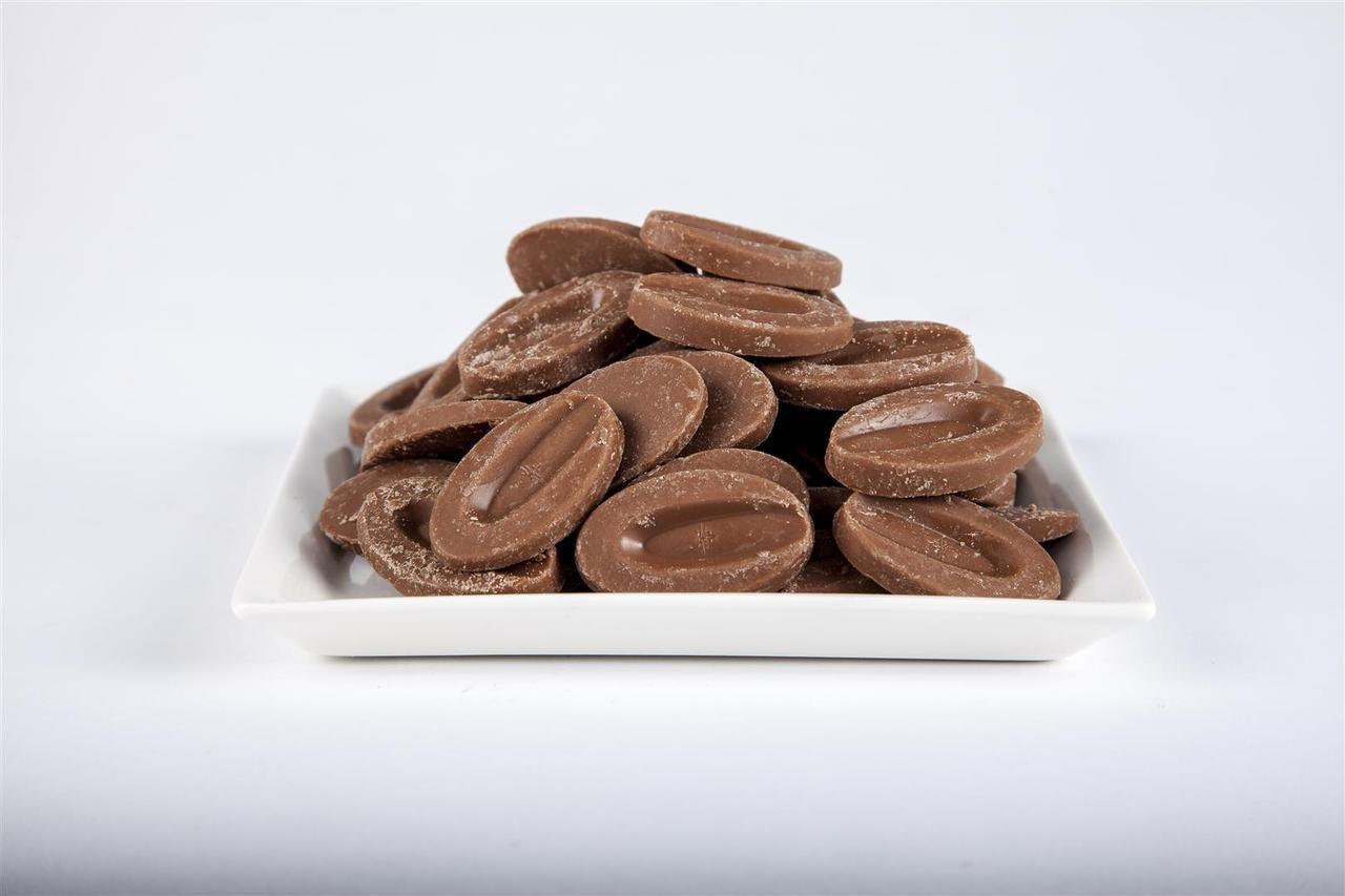Amazon.com : Valrhona Chocolate Dulcey 'Les Feves' 32% 1 pound ...