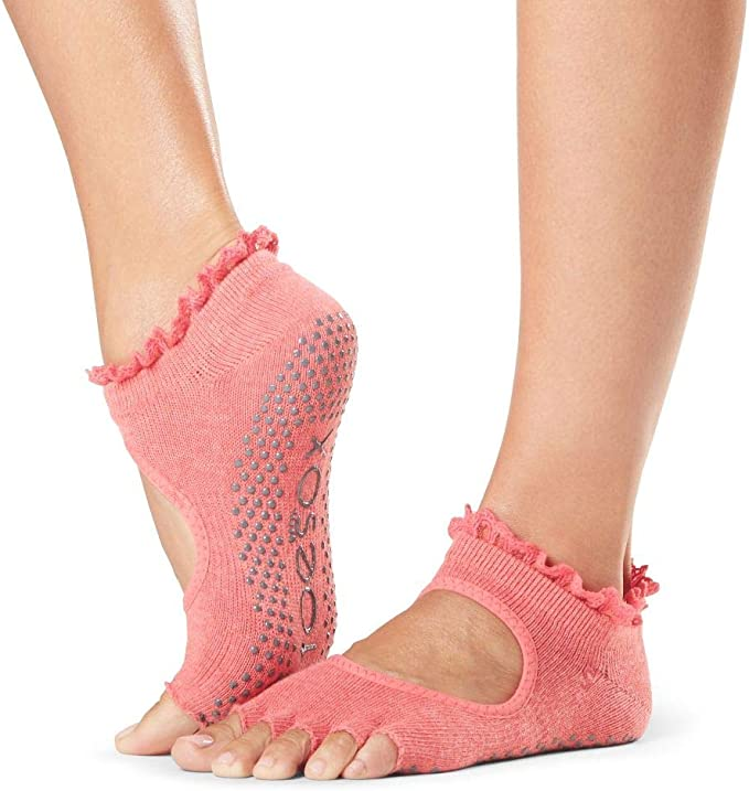 Amazon.com: ToeSox Grip Pilates Barre Socks – Non Slip Bella ...