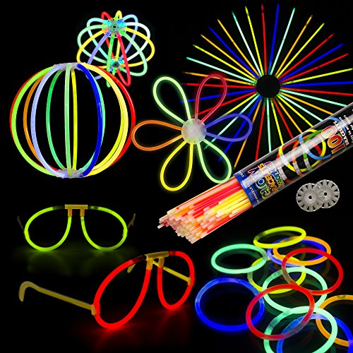 (Fun Central BC679 Glow Sticks Large Party Pack for 20 People - Includes: 200 Pcs Assorted Color 8 inch Premium Glow Sticks with Connectors, Glow in The Dark Sticks, Glow Sticks Bulk - Assorted )