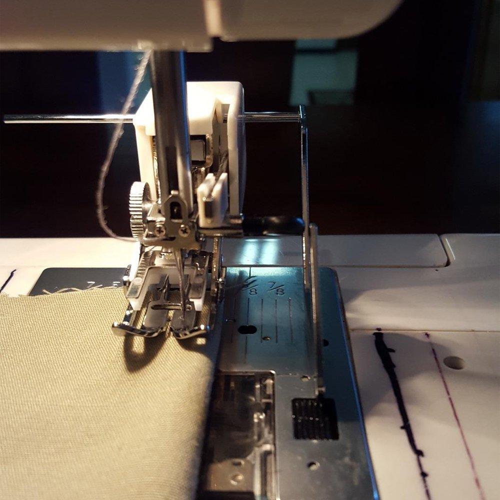 Onerbuy - Pie prensatelas para máquina de coser con guía de puntada para máquinas Brother, Singer, Janome, Pfaff y Viking: Amazon.es: Hogar