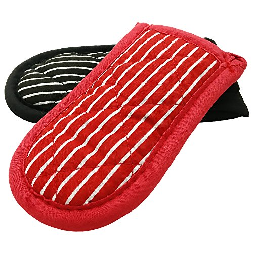 Evoio Potholders and Oven Mitts, Maximum Temperature Hot Handle Holder, Cotton Stripe Quilted Pan Handle Sleeve, Glove for BBQ, Cooking, Baking and Kitchen 2-Pack (Striped) ()