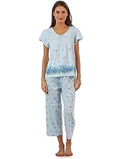 5767e312231 Casual Nights Women's Short Sleeve Floral Border Capri Pajama Set