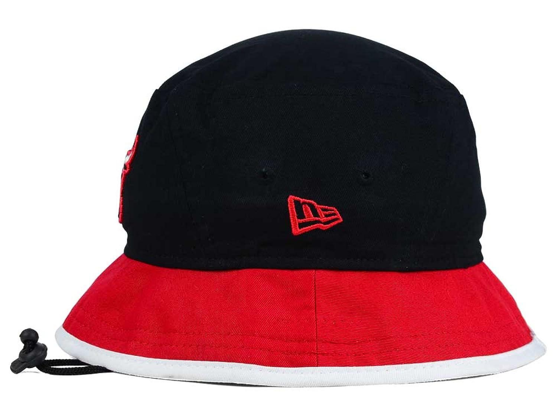 410afd8d33a Amazon.com   Chicago Bulls New Era NBA HWC Black-Top Black Red Bucket  Boonie Hat   Sports   Outdoors