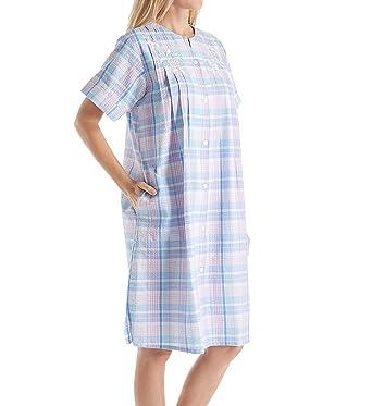 Miss Elaine Women s Seersucker Short Grip Robe at Amazon Women s ... b1675d08d