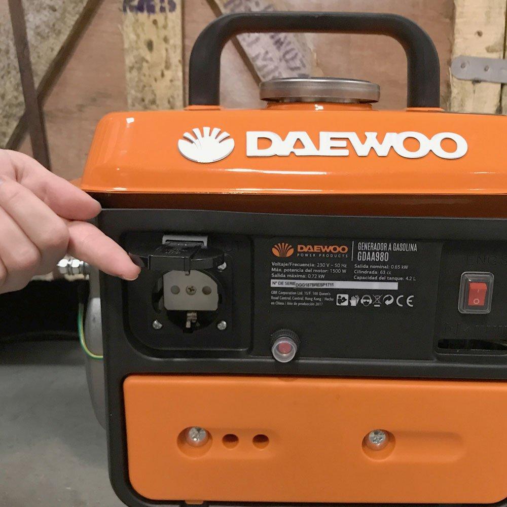Daewoo GDAA980 - Generador de gasolina (63 cc, 720 W)