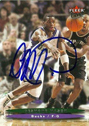 Desmond Mason autographed Basketball Card (Milwaukee Bucks) 2003 Fleer Ultra #81 - Autographed Basketball (Mason Autographed Basketball)