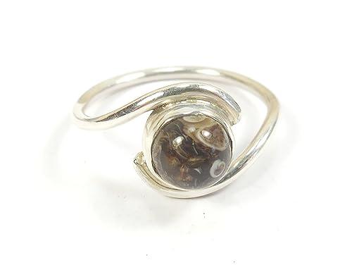393657e2dd165d Beautiful cose per donne splendido fossilized fossilizzato Fossil  Turritella 925 Argento Sterling con agata anello taglia Q US Size 21:  Amazon.it: Gioielli