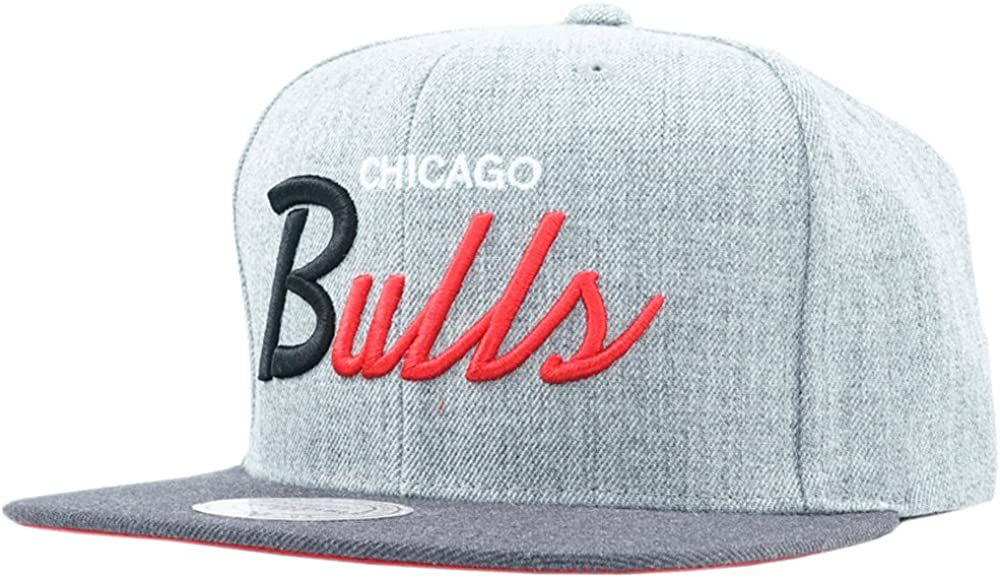 Mitchell /& Ness Chicago Bulls Tri Pop Special in Grey Adjustable.
