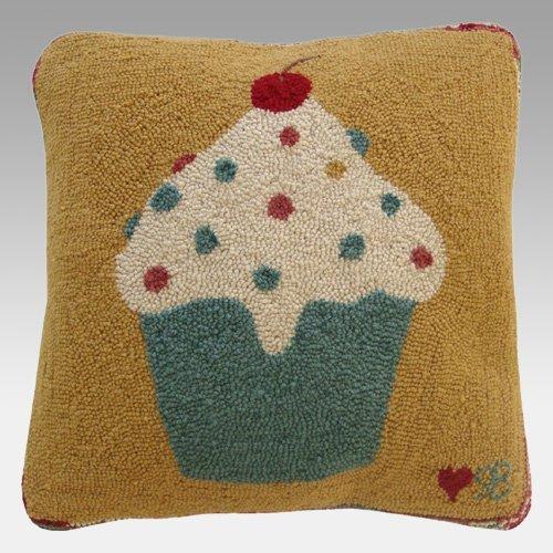 (Susan Branch 'Cupcakes' Pillow)