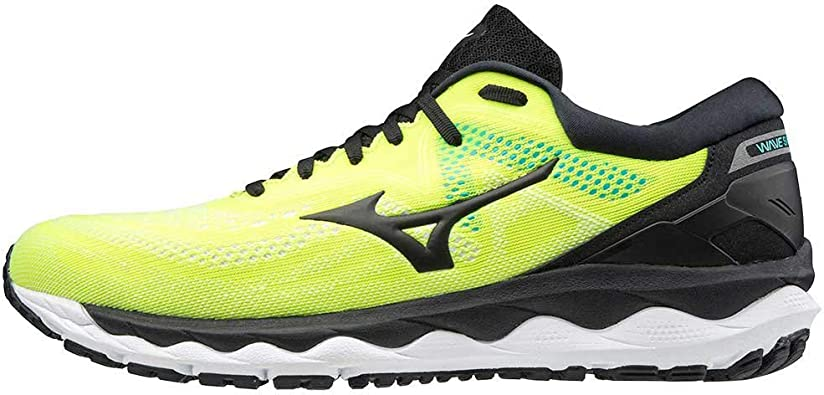 mizuno mens running shoes
