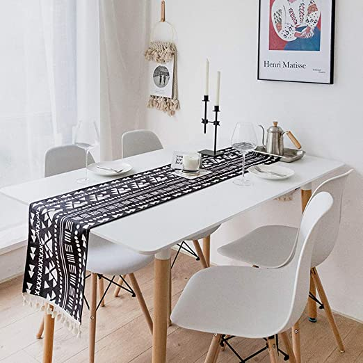 Decoco Geometric Table Runner Black And White Table Runner Boho Wedding Table Decoration Bedding Blanket 12 5 X 75 Inches For Morden Stylish Wedding Party Holiday Table Setting Decor Amazon Co Uk Kitchen Home