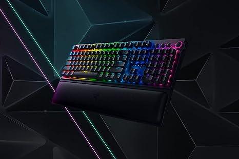 Razer BlackWidow V3 Pro - Teclado mecánico inalámbrico premium para juegos (teclado con interruptores Razer Yellow, iluminación cromática RGB) US ...