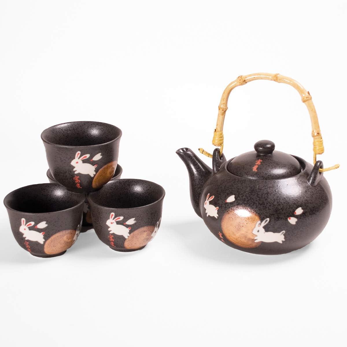 Hinomaru Collection Japanese Moon Rabbit Design Ceramic 20 fl oz Tea Pot and 4 Cups Tea Set Asian Home Decor