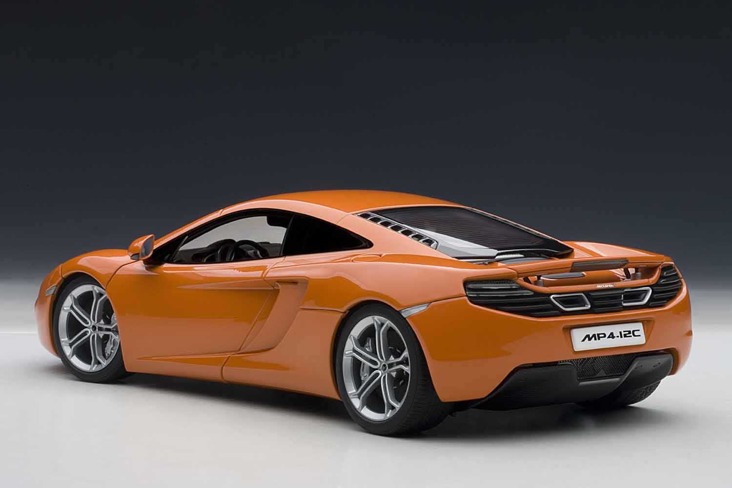 Amazon.com: AUTOart 76006 1/18 - Signature: McLaren MP4-12C ...