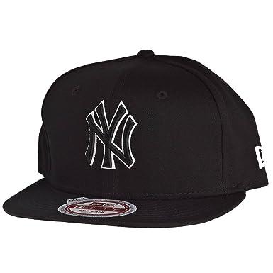 8430eab1b4559 New Era Snapback Cap - GLOW IN THE DARK New York Yankees  Amazon.co.uk   Clothing