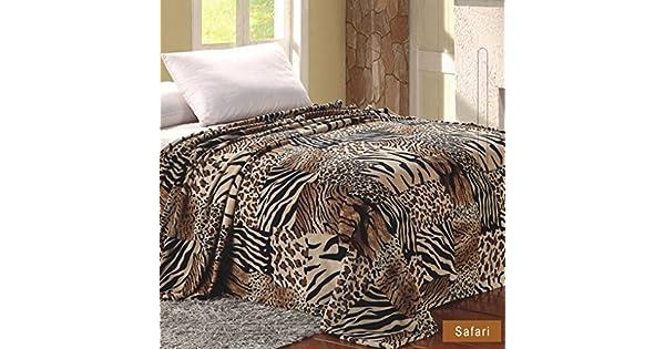 Amazon.com: Microplush Reproducido Manta Safari: Home & Kitchen