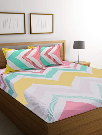 9bc40994286 Ahmedabad Cotton 144 TC Cotton Double Bedsheet with 2 Pillow Covers -  Multicolour  Amazon.in  Home   Kitchen