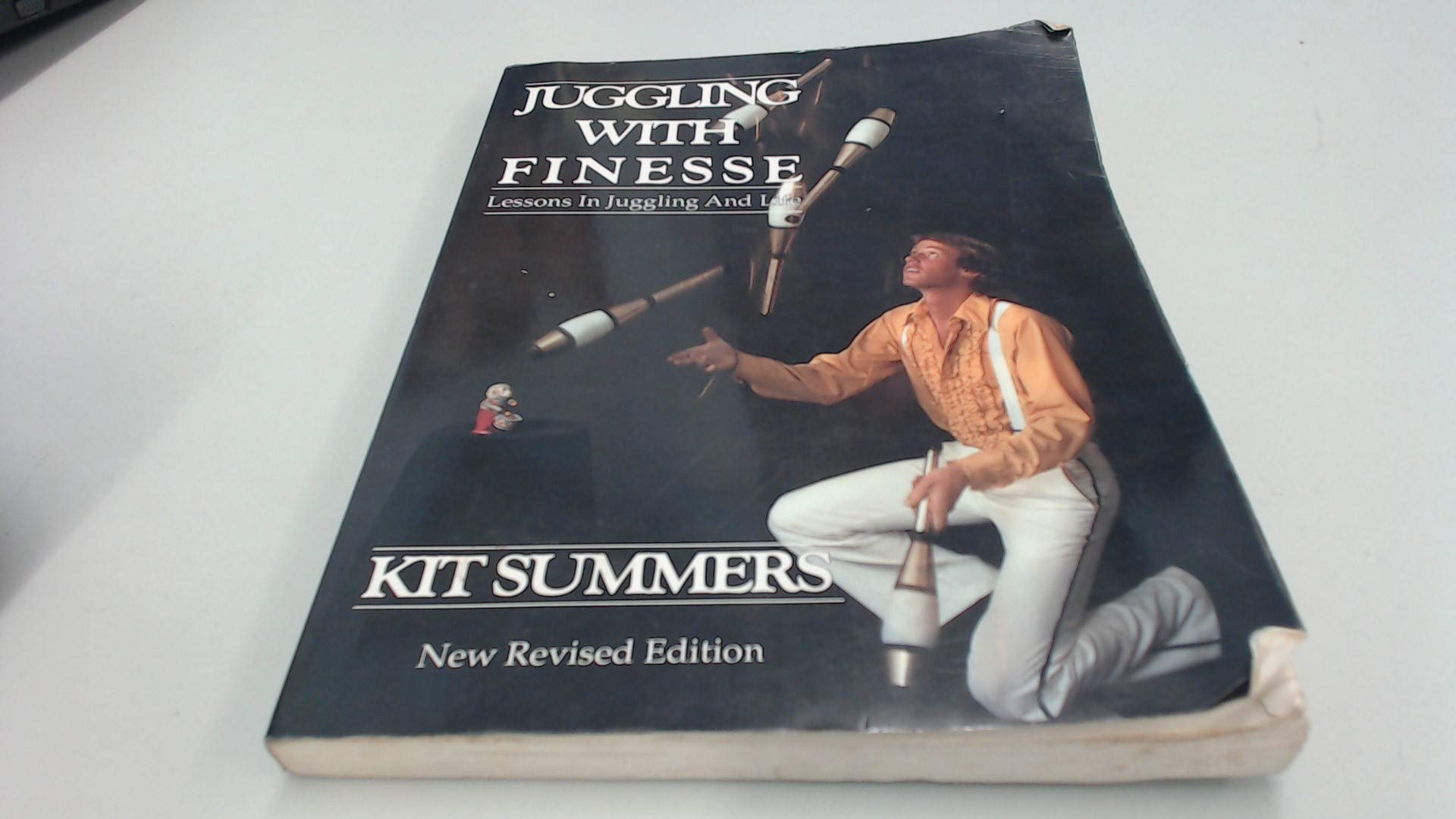 Juggling With Finesse: The Definitive Book of Juggling